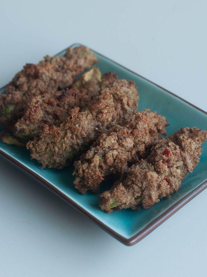 [dutch] Vandaag geen taart of koekjes, maar gezonde 'frietjes', namelijk avocado frietjes.Ik ben gek op avocado, ik eet ze gewoon 'los', maar maak er ook graag gguacamolevan of deze chocoladetaart...