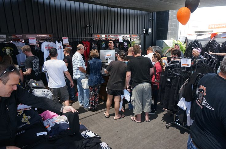 Bargains galore at the Gold Coast Harley-Davidson grand opening. Read all about it at http://motorbikewriter.com/harley-883-iron-dealership/
