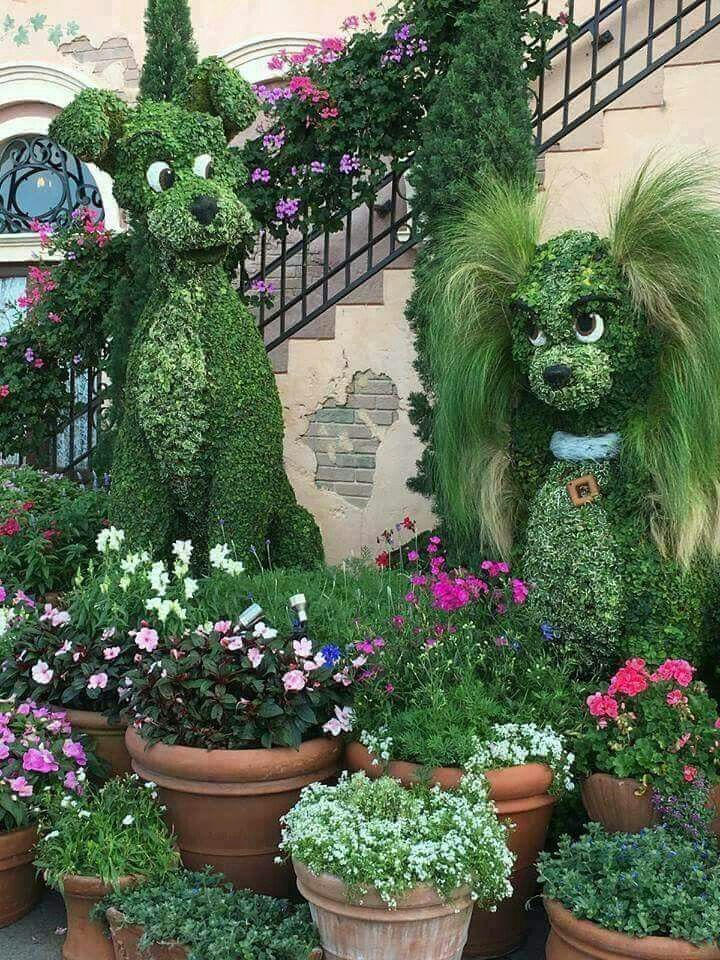 #Topiary artistry    http://dennisharper.lnf.com/