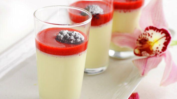 Panna Cotta er en italiensk dessert basert på fløte og vanilje. Desserten er lett å tilberede og smaker…