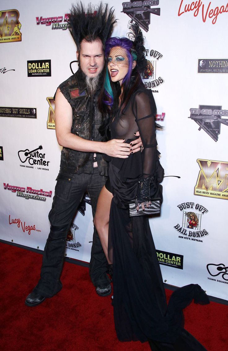 Wayne Static's Widow Tera Wray Vows To Finish His Music Projects