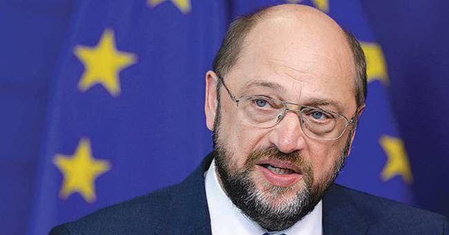 Στην κεντρική πολιτική σκηνή της Γερμανίας επιστρέφει ο Σουλτς