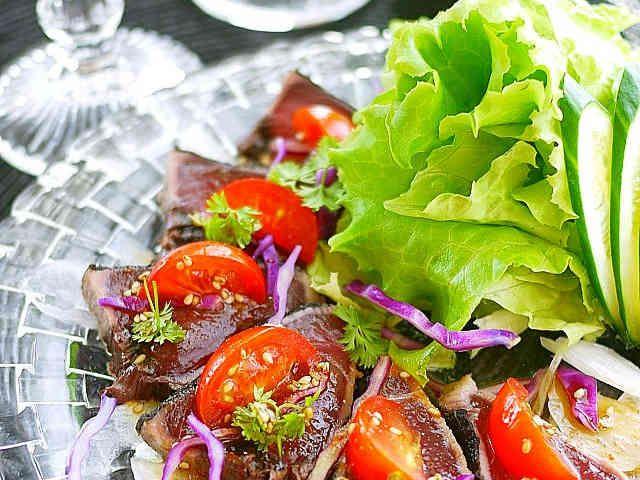 鮪や鰹・牛肉タタキでサラダカルパッチョの画像
