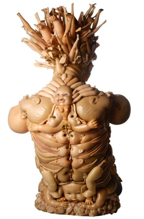 recycled plastic dolls | artist: freya jobbins | foto: laura moore & mark pokody