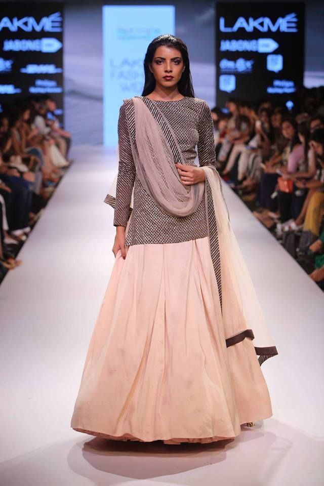 Payal Singhal: Lakmé Fashion week: A/W 2015