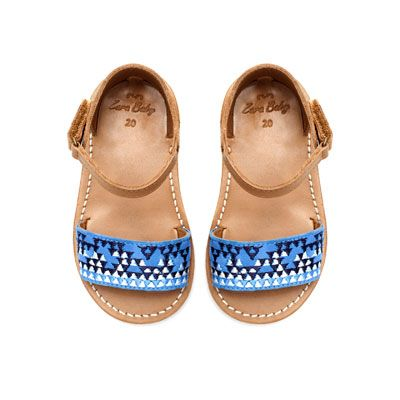 Leather sandal with embroidery: