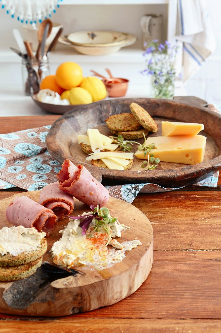Even non-Banters will love this tapas board! Whipped up HEBA Bread-in-a-Mug in seconds, lightly toast then served with a mouth-watering selection of tasty treats. Recipe: bit.ly/BantingBlvdBlog