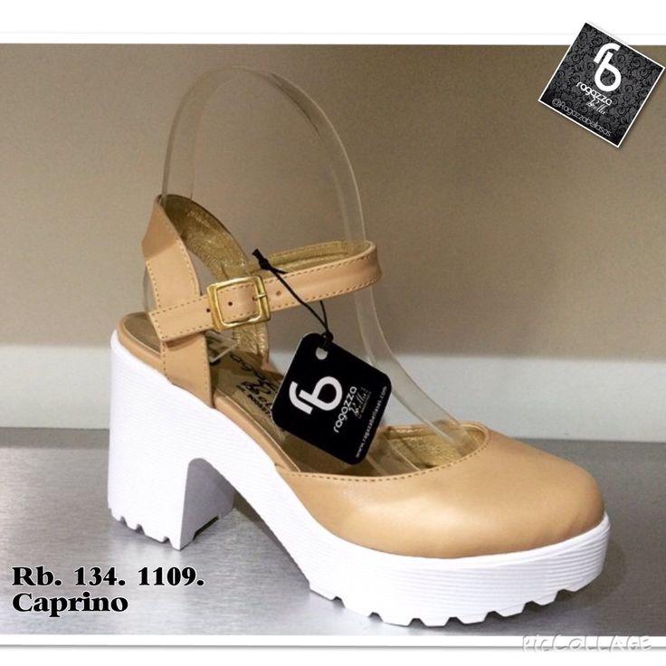 Hermoso calzado en Ragazza bella