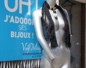Chez Very Micky, vous trouverez des créations uniques qui vous permettront de mettre toutes vos tenues en valeur sans craindre qu' une autre femme ne porte la même création que vous ! Alors pourquoi vous priver de vous distinguer ?