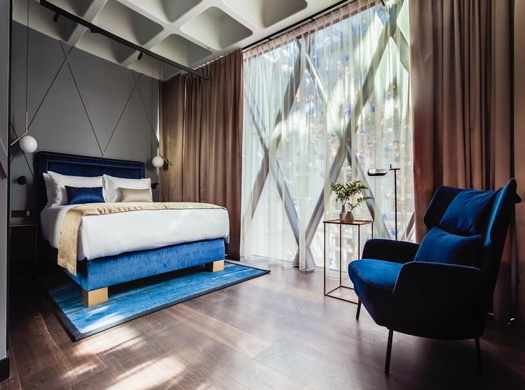 Another room from @hotelindigo.warsaw designed by @2kulproject captured by amazing @piotrgesicki. #instadaily #interiordesign #interiorarchitecture #hoteldesign #royalblue #newhotel #luxurylife #travelwithstyle #goodmorning #goodnight #warsaw #london #tamarindo #sanjose