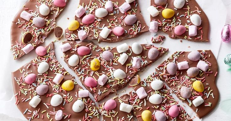 Have a crackin' good Easter with this fun, marshmallow-topped chocolate bark.