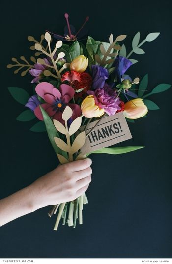 どのお花にする?こどもも喜ぶ♪イベントに最適な「ペーパーフラワー」の作り方7選 | キナリノ