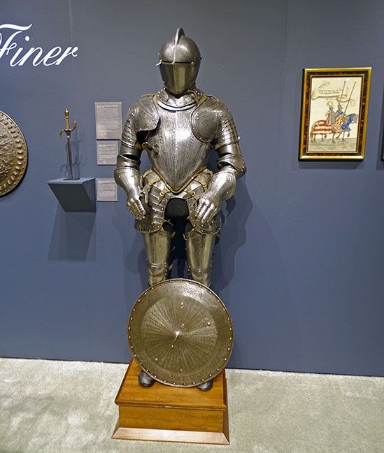 Full suit of armor at Peter Finer at the 2016 San Francisco Fall Art & Antiques Show.