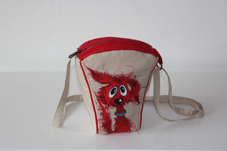 Hand made by Renata Vespa. Original design purse.