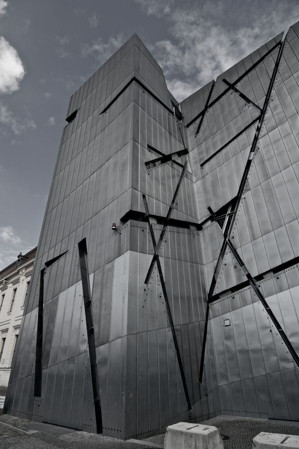 105 best museo judio de berlin images on pinterest for Daniel libeskind architectural style