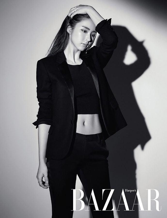 Shin Se Kyung Is A Vixen In Black For Harpers' Bazaar Korea's September 2015 Issue
