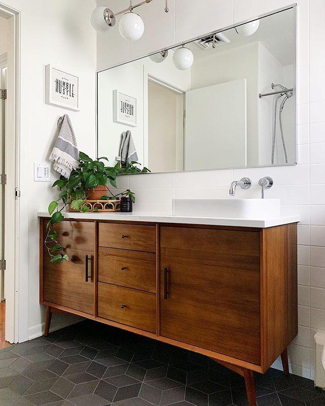 Tiff Mueller Hellorefuge Mid Century Modern Bathroom