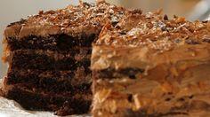 Le gâteau diabolique au chocolat de Sophie Dudemaine. La recette est par ici >>> http://www.vivolta.com/video/recette/gateau-diabolique-chocolat#sthash.x31YPMSw.dpbs