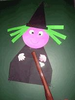 Heksje vouwen en plakken- Halloween knutselen - peuter kleuter