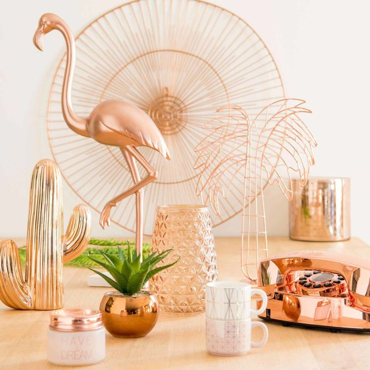 Copper ornaments to add some warmth to your home! | MODERN COPPER pink flamingo ornament H 48 cm | Maisons du Monde