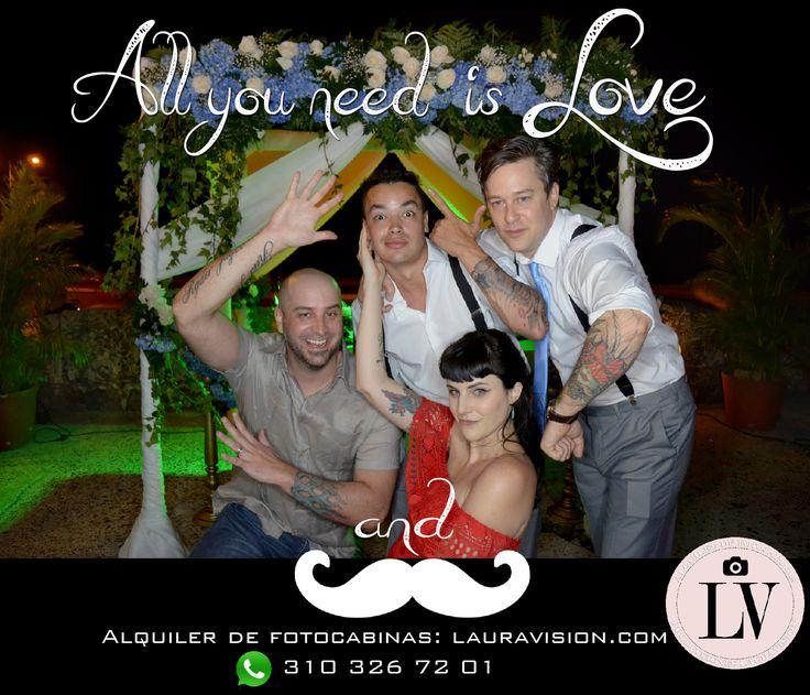 Logra las mejores fotos y más divertidas de tu fiesta, alquilando una fotocabina de lauravision. #alquiler de fotocabinas # photocall # fotocol # photocabinas # eventos Cartagena # recordatorios para bodas