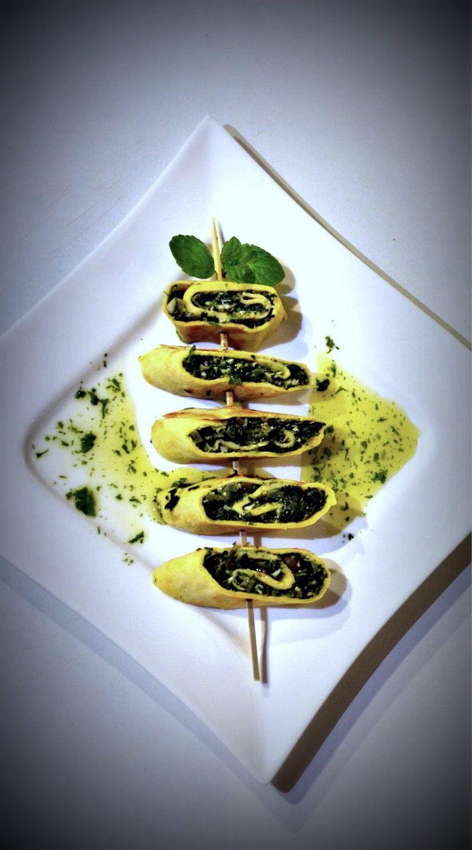 Taste me! Eat me!: Naleśniki ze szpinakiem i fetą w miętowym sosie