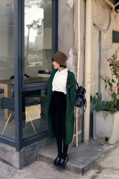 Green shawl + hat #fashion #simple