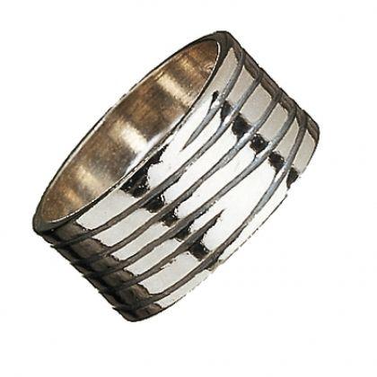 Kalevala Koru / Kalevala Jewelry / BARK RING / Designer: Kaj Frank / Material: silver