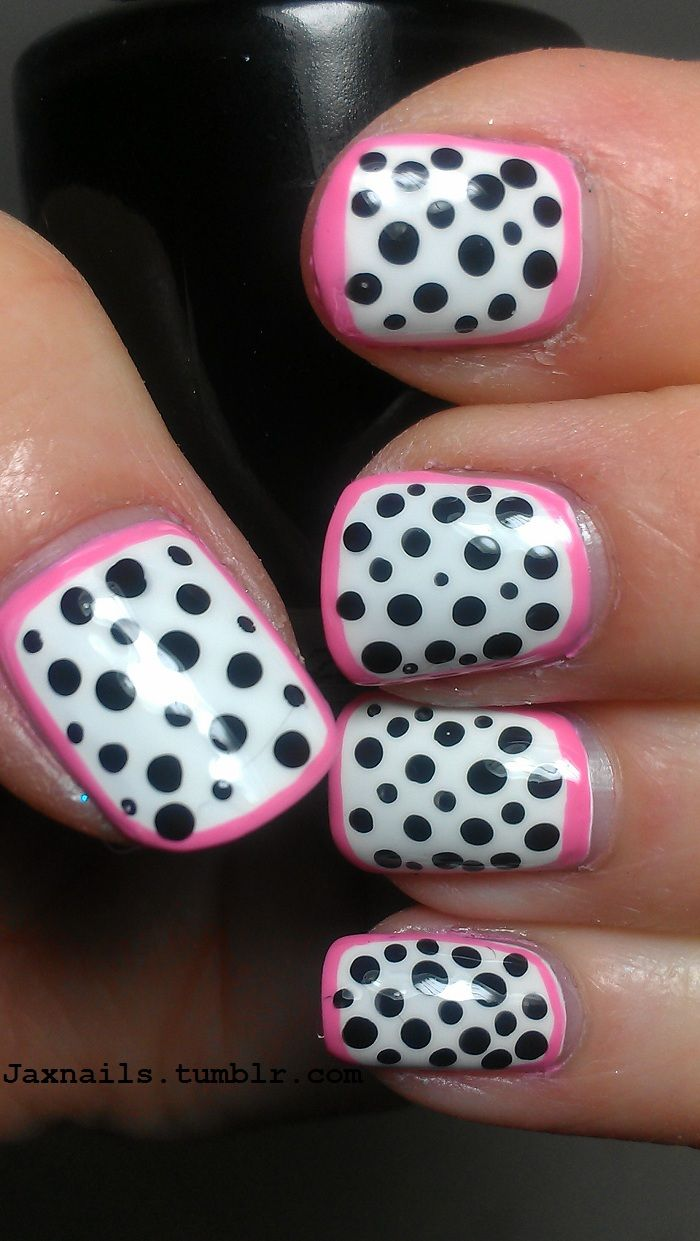 Black, white & pink outer ring manicure