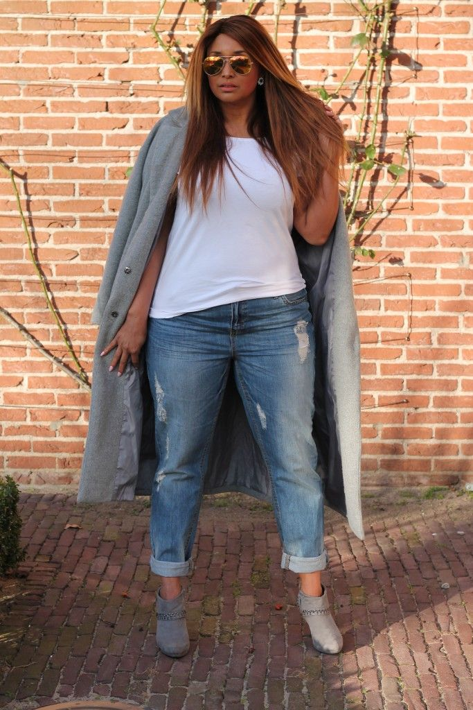 Boyfriend jeans and grey