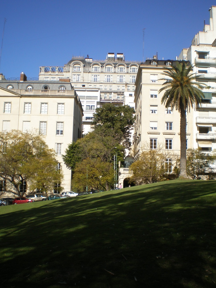 El barrio de Recoleta, vista desde Plaza Francia, ciudad autonoma de Buenos Aires, Argentina