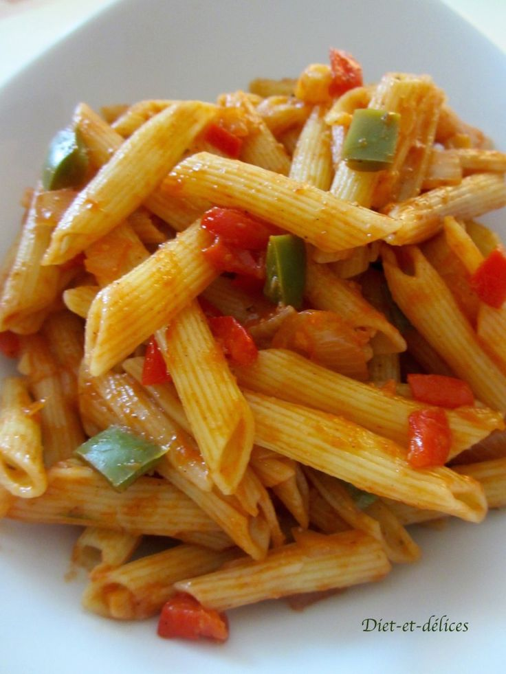Salade de pâtes aux poivrons et coulis de tomates