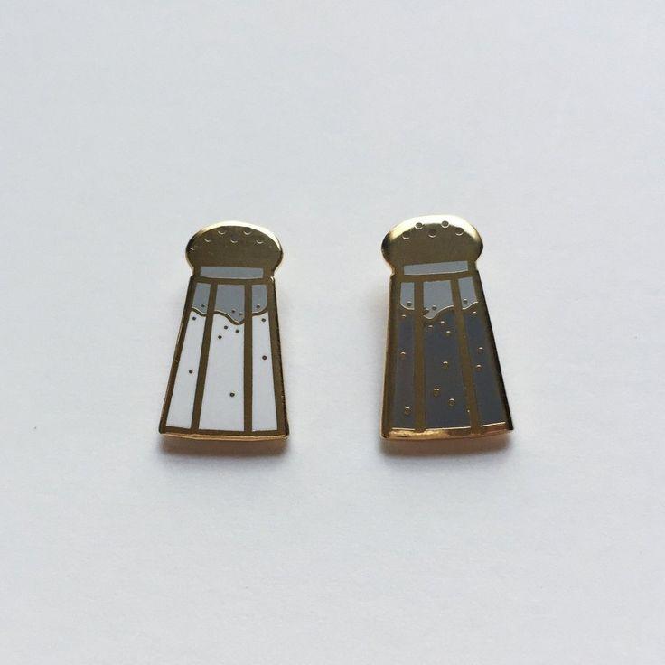 'Salt & Pepper' Pin Set