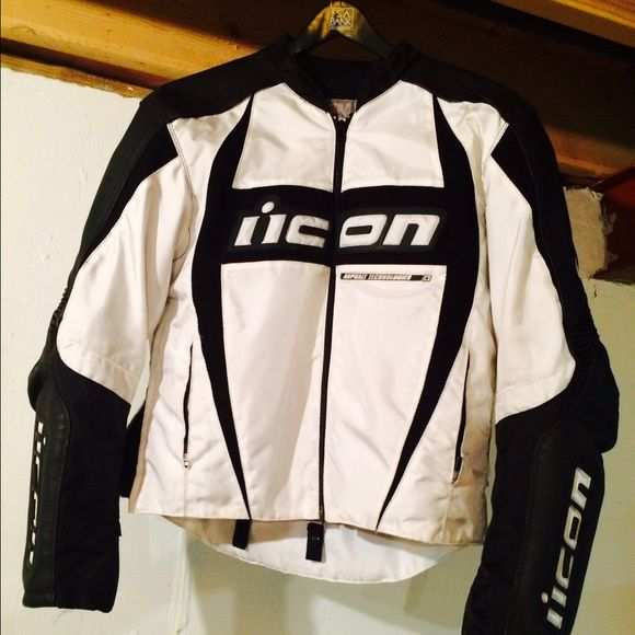 Icon motorcycle jacket White Icon mesh jacket.  Still in great condition. Comes with zip in liner. ICON Jackets & Coats