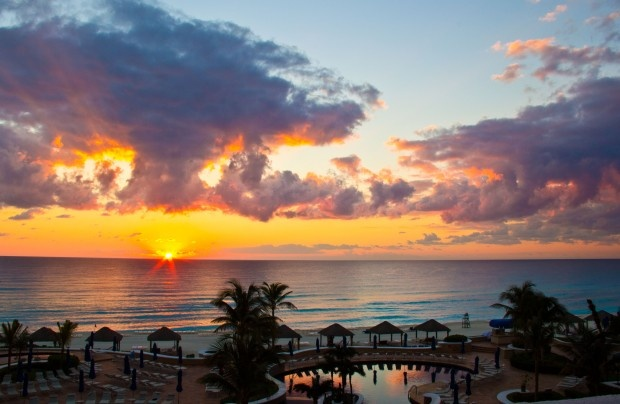 Sunset in Cancun is unforgettable! Let www.grandturizmo.com find you the best deal on your next vacation.
