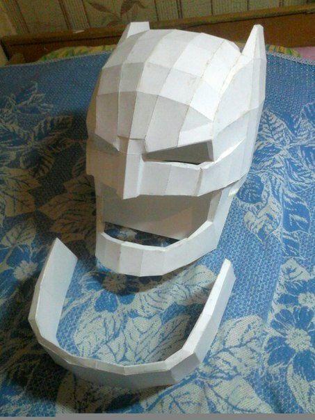 Batman v Superman - Life Size Batman Helmet for Cosplay Free Papercraft Download