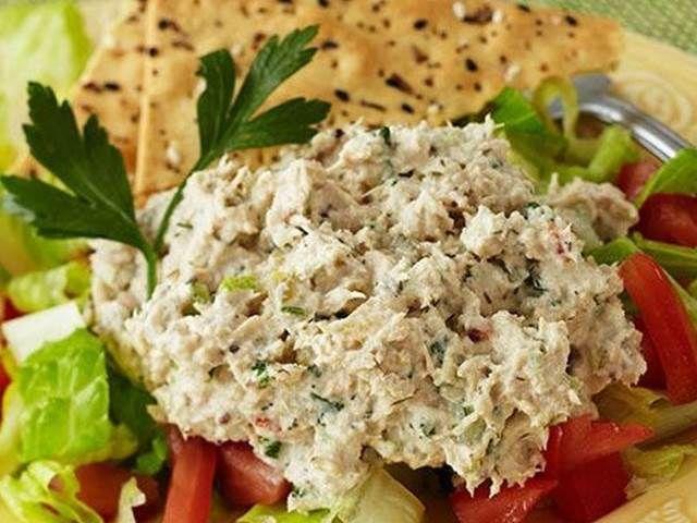 Tuňákový salát - | Prostřeno.cz