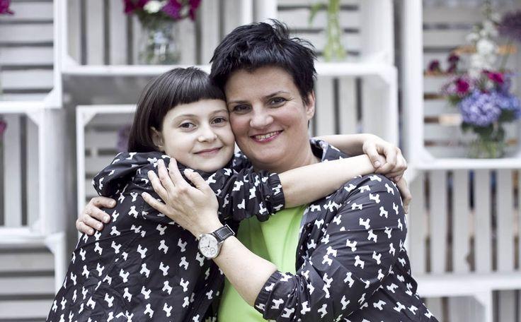Jak krople wody :) zdjęcia z sesji MiniMe z okazji Dnia Matki. Mama i córka płaszczyk - Smyk, mama sukienka - Simple