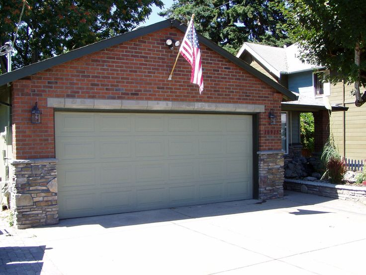 Brick / Stone Veneer Brick house (Baker Masonry LLC 503 53…   Flickr