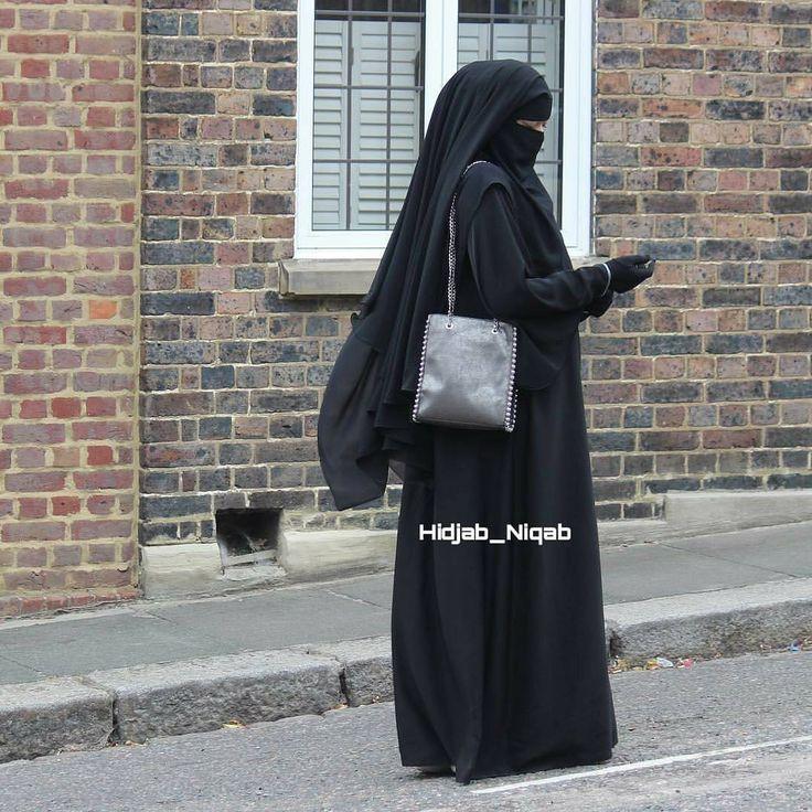"""825 Likes, 6 Comments - Страничка продается 😄 (@hidjab_niqab) on Instagram: """"Шейх говорит в своей хутбе: Цены высокие! Женщины голые! Мечети пустые! А законы Аллаха…"""""""