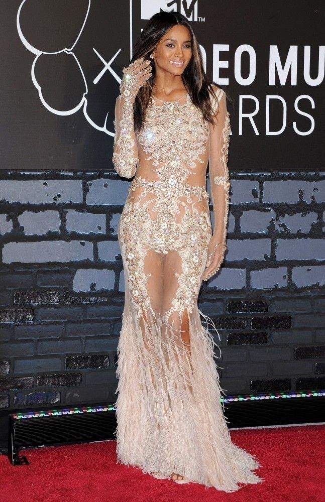 Ciara Photos: Arrivals at the MTV Video Music Awards — Part 2 - Celebrity Fashion Trends