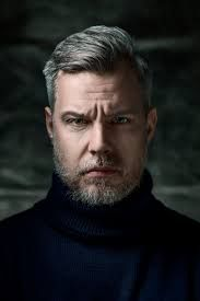 Joakim Zander (geboren 1975 in Stockholm, Zweden) is een Zweedse auteur en advocaat. Zijn debuutroman Simmaren