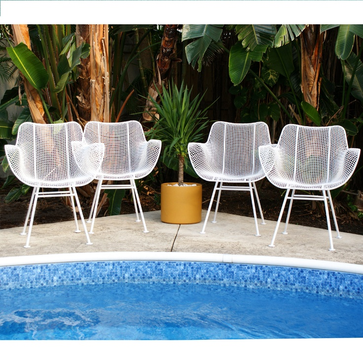 Chairs and the pool, please.: Design Inspiration, Chairs Sets, Mid Century Modern, Sets Mid, Woodard Sculptura, Patios Chairs, Woodard Patios, Vintage Furniture, Sculptura Patios