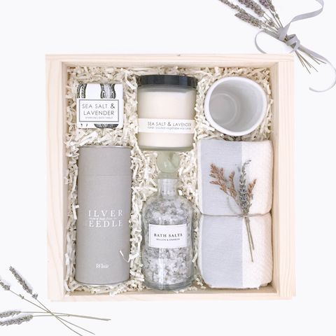 She said yes! Send your congratulations and well-wishes with this thoughtful gesture. The Engaged Box is bound to get any bride-to-be excited for her next chapter. Pair of Gold Foil pocket notebooks f