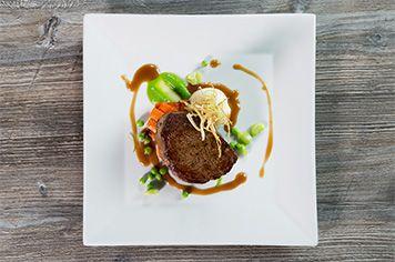 คู่มือการนำเสนออาหาร เทคนิคการชุบอาหาร (Food Plating Techniques)