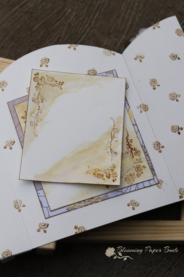 gate fold card , pull out card