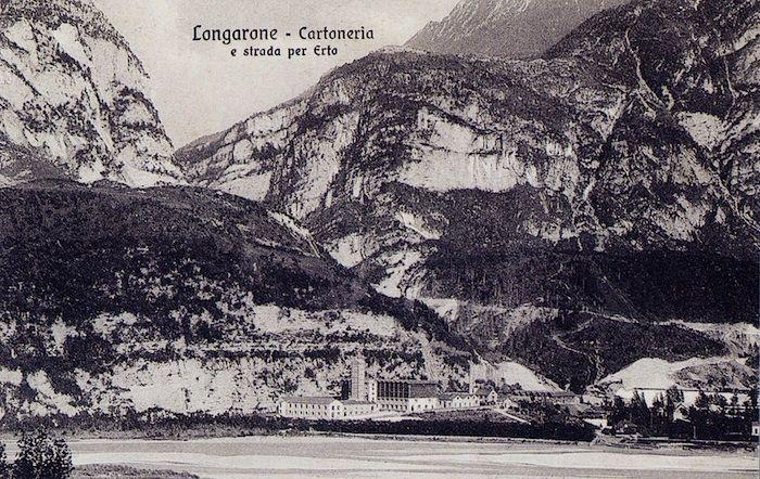 La fabbrica di cartone Protti, fondata nel 1900 (cartolina di Pompeo Breveglieri, del 1903)