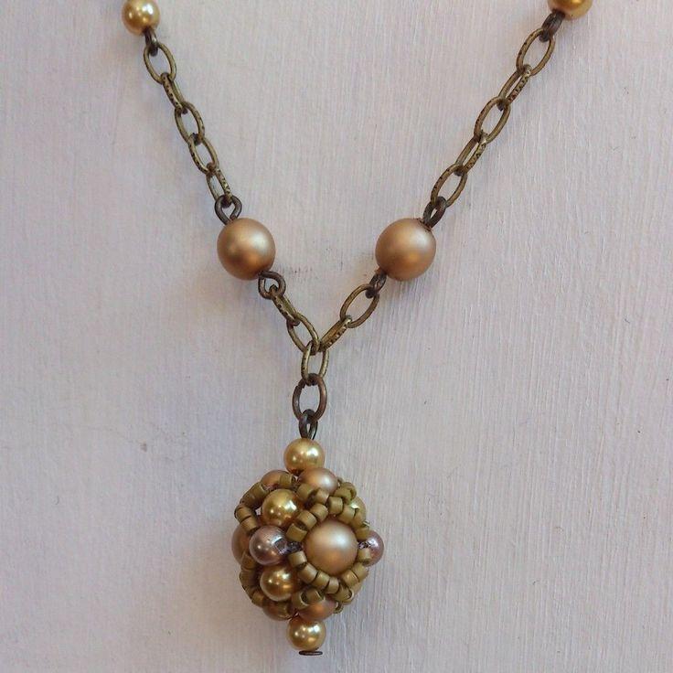Handmade necklace by Zsuzsubizsu (http://zsuzsubizsu.blogspot.hu/)