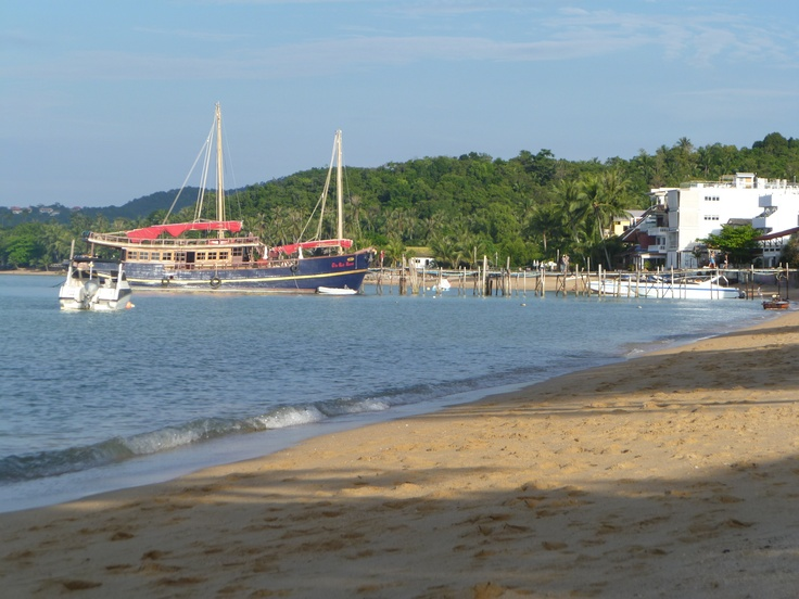 Late afternoon on the beach at Fishermans village