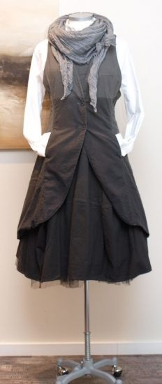 rundholz black label - Longweste organic - Winter 2013. SUCH a cool, unique, interesting dress. And it has pockets. I like the vest/jacket--really a cool garment. Makes me wish I could find one. Also enjoy the touch of tulle, and the volume of the skirt. Scarf is cool, too. It has almost a... steam punk vibe. Old-timey, humble sophistication. Really nice.